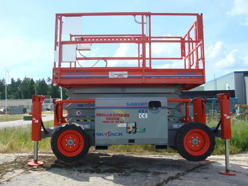 Saxlift 11,80 m SkyJack 6832RT